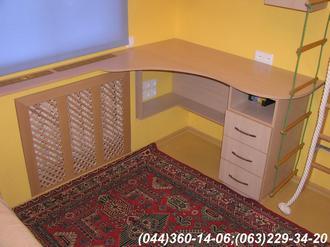 Меблі в дитячу кімнату. Грати на батарею в інтер'єрі МДФ профіль Бук + грати Бук натуральний
