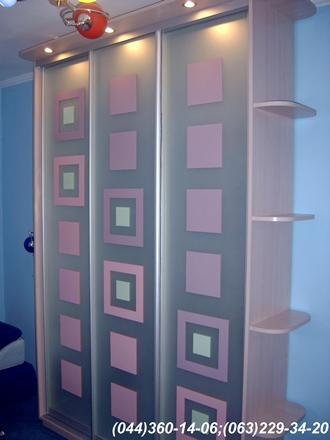 Меблі в дитячу кімнату. Шафа-купе в дитячу ДСП - Груша Пастель, Система – ADS срібло, Дзеркало – матоване з малюнком