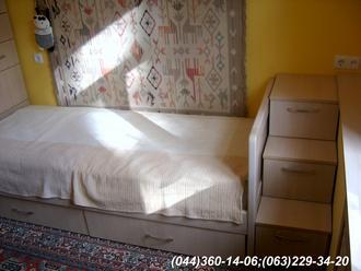 Меблі в дитячу кімнату. Тумба - сходи ДСП - Груша Д-401