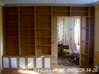 Книжкові полиці ДСП - вишня Фасад – МДФ профіль вишня Наповнення – ДСП плита - береза біла