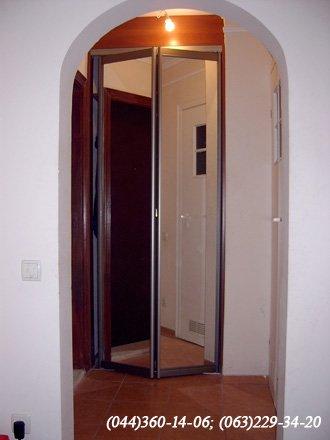 Передпокій - Двері складні - гармошка Система - ADS Бронза - Дзеркало срібло ДСП Яблуня локарно