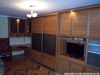 Стінка в квартиру меблева. Гірка Шафа Купе - Система - Бронза,  наповнення - бамбук натуральний, дзеркало – матова бронза, скло – бронза