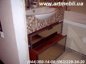 Тумбочка у ванну на колесах Фасад – Алюмінієвий профіль Бронза Наповнення – Дзеркало бронза